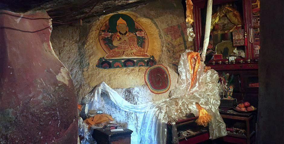 tsongkhapa cave in Rakhadrak hermitage