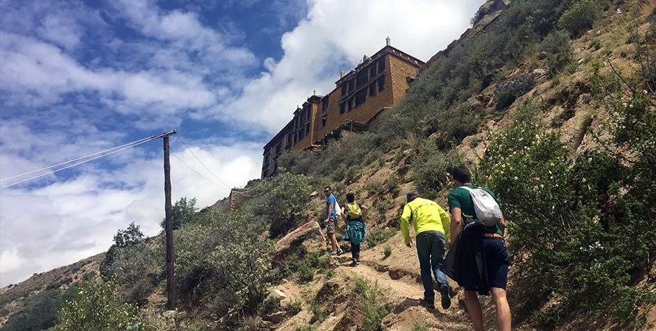 trekking in Lhasa city