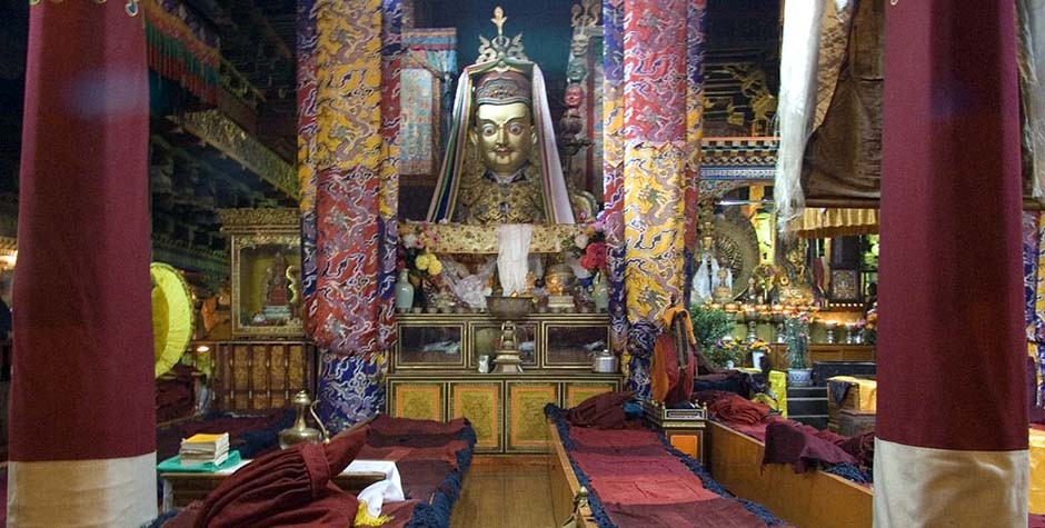 inside the Jokhang temple, build by songtsen gampo